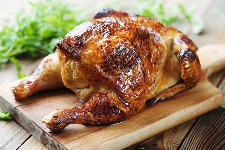 Photo pour whole roasted chicken - image libre de droit