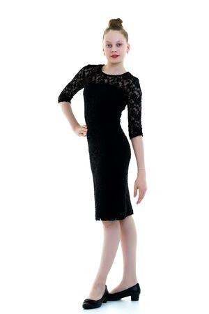 Photo pour Little girl in an elegant dress. - image libre de droit