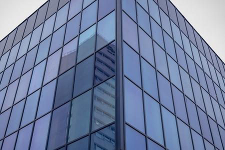 Photo pour Building structures glass geometry on facade of the construction. - image libre de droit