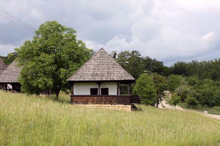 Photo pour Old house from Romanian village - image libre de droit