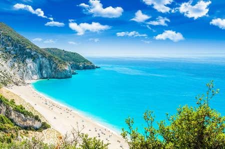 Photo pour Milos beach on Lefkada island, Greece. Milos beach near the Agios Nikitas village on Lefkada, Greece - image libre de droit
