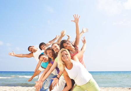 Foto de happy group of young people having fun - Imagen libre de derechos