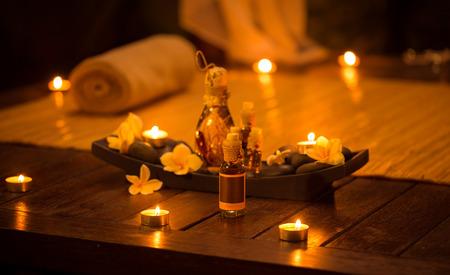 Foto de Decoration for relax massage with aromatic oils - Imagen libre de derechos