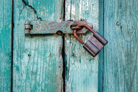 Photo pour Old padlock closeup. - image libre de droit