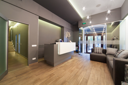 Photo pour Modern interior design. Lobby at  dental clinic. - image libre de droit