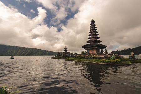 Foto für Pura Ulun Danu Bratan, Bali, Indonesia - Lizenzfreies Bild