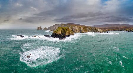 Photo pour The amazing coastline at Port between Ardara and Glencolumbkille in County Donegal - Ireland - image libre de droit