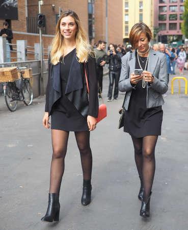 Foto de MILAN, Italy: 22 Septermber 2019: Fashion blogger street style outfit before Laura Biagiotti fashion show during Milan fashion week Spring / Summer 2019 - Imagen libre de derechos