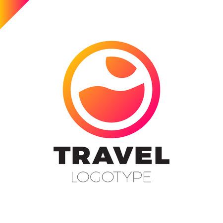 Illustration pour Sun And Sea logo design template. Vector colorful sign logotypes for travel agency. - image libre de droit