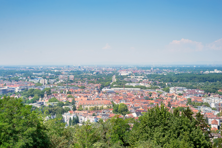 Photo pour Magnificent view on Karlsruhe from top of Turmberg, Germany - image libre de droit