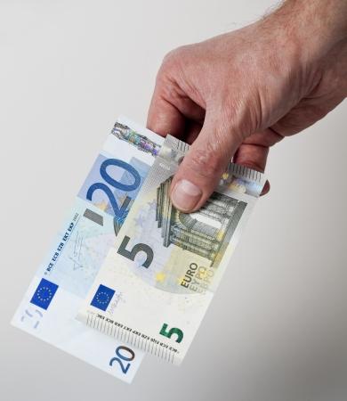 25 Euro cash back concept