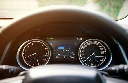 Photo pour Modern car dashboard console on luxury car - image libre de droit