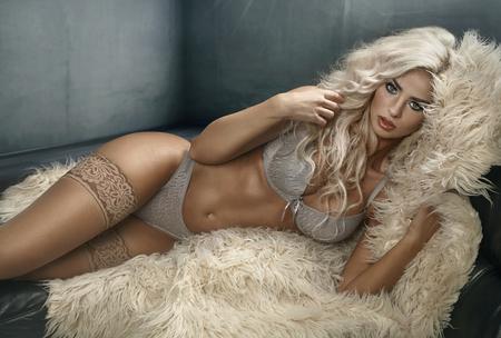Photo pour Beautiful young woman wearing sexy underwear - image libre de droit