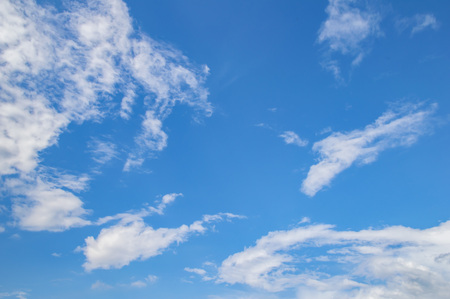 Photo pour Blue sky with white clouds from a sunny day. Background image, a place to write text. - image libre de droit