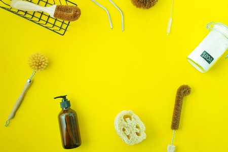 Photo pour zero waste kit for washing dishers with out plastic on yellow background with copy space - image libre de droit