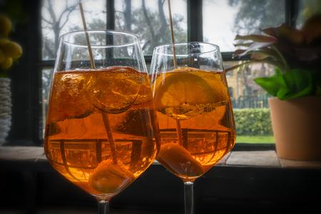 Aperitif in 2 glasses