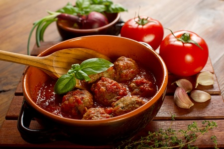 meat balls with tomatoes sauce