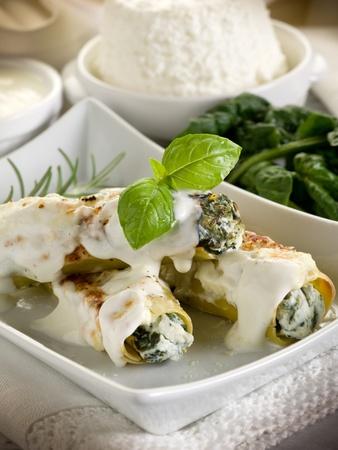 cannelloni ricotta e spinach