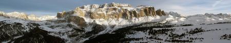 Foto per Dolomiti - Panoramica del gruppo del Sella e Val Gardena dal Piz Sella - Immagine Royalty Free