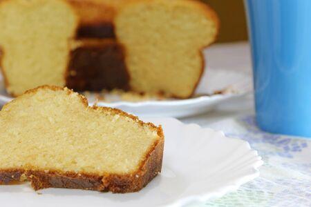 Photo pour Delicious and tasty homemade vanilla cake - image libre de droit