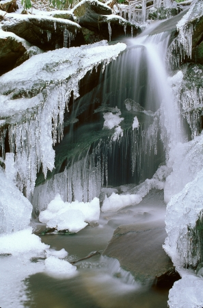 Small frozen waterfall with icycles