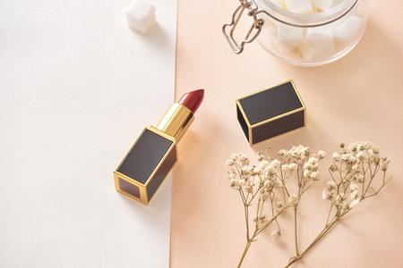 Photo pour Love valentine together happy affection concept with lipstick - image libre de droit