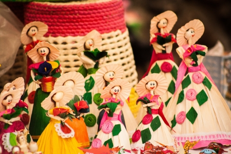 Picture of a group of beautiful mexican crafts
