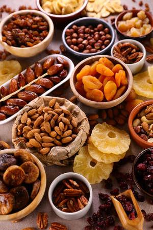 Photo pour assorted of nuts and dried fruit - image libre de droit