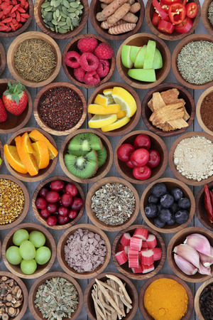 Foto für Health food selection for cold remedy to boost immune system, high in antioxidants, anthocyanins, minerals and vitamins. - Lizenzfreies Bild