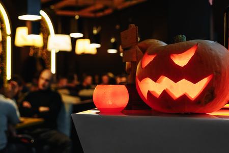 Foto de Group of spooky Halloween Jack o Lanterns - Imagen libre de derechos