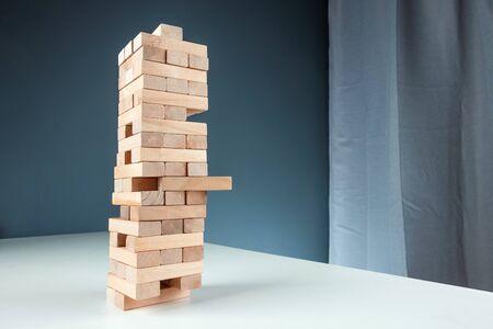 Photo pour Column game . The concept of a mortgage, investment risks, economic crisis, economic instability - image libre de droit