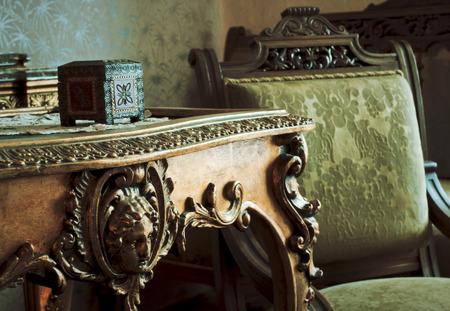 Photo pour Detail on vintage furniture couch - image libre de droit