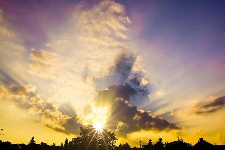 Photo pour An image of a urban sunset sky background - image libre de droit