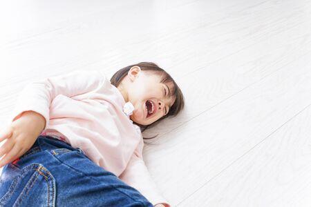 Photo pour A crying child - image libre de droit