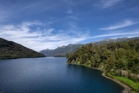 Photo pour The Seven Lakes Road, Patagonia - image libre de droit