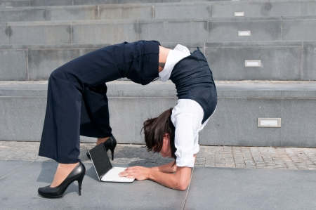 Flexible business - woman with laptob
