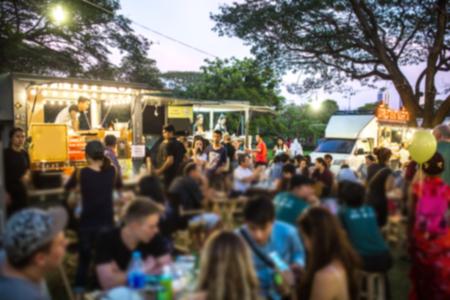 Photo pour Food Truck Festival Blurred on Purpose - image libre de droit