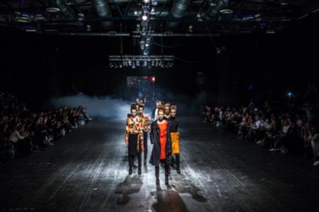 Photo pour Fashion Show, Catwalk, Runway Event blurred on purpose - image libre de droit
