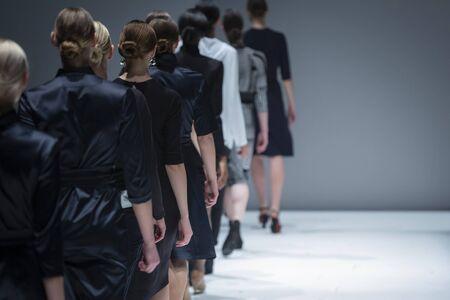 Photo pour Fashion Show, Catwalk Runway Show Event - image libre de droit