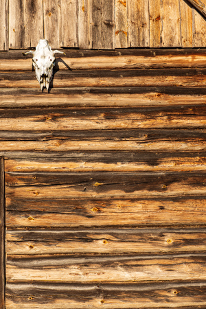 Photo pour old wooden plank building structure in countryside. loneliness and silence - image libre de droit