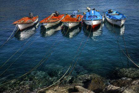 barcos pesqueros anclados en aguas del puerto de la Aldea, Gran Canaria