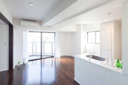 Photo pour Bright room in apartment - image libre de droit