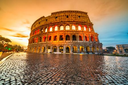 Photo pour Rome, The Majestic Coliseum. Italy. - image libre de droit
