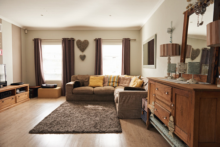 Foto de Interior of the living room of a suburban home - Imagen libre de derechos