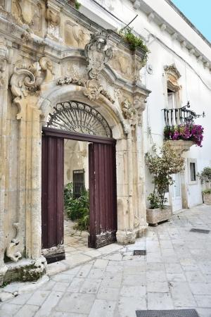 Locorotondo BA - door of an ancient building