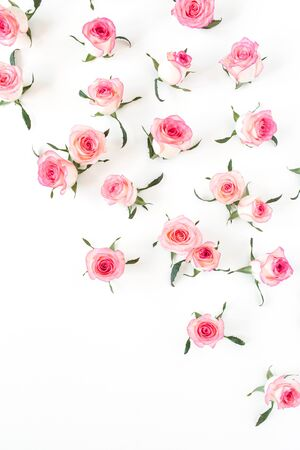 Photo pour Flat lay pink rose flower buds and leaves pattern on white background. Top view. - image libre de droit