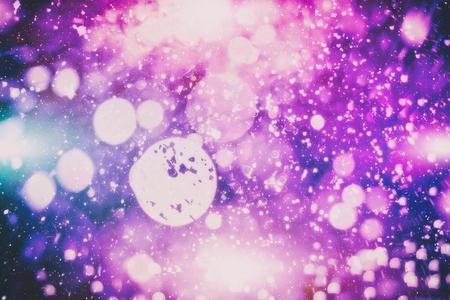 Foto de Christmas light background. Holiday glowing backdrop. Defocused Background With Blinking Stars. Blurred Bokeh. - Imagen libre de derechos