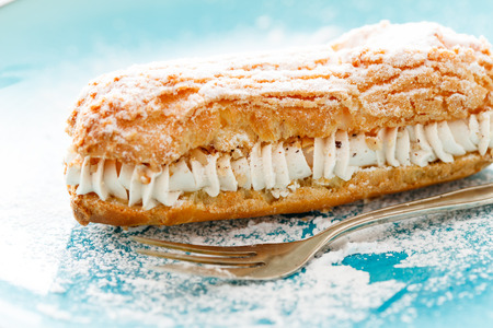 eclair with cream