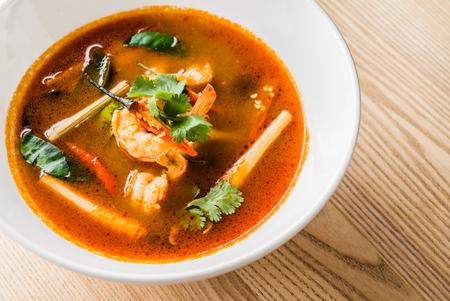 Photo pour Tom Yam Kung (Thai cuisine) - image libre de droit