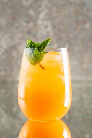 Foto de summer lemonade with fruits - Imagen libre de derechos